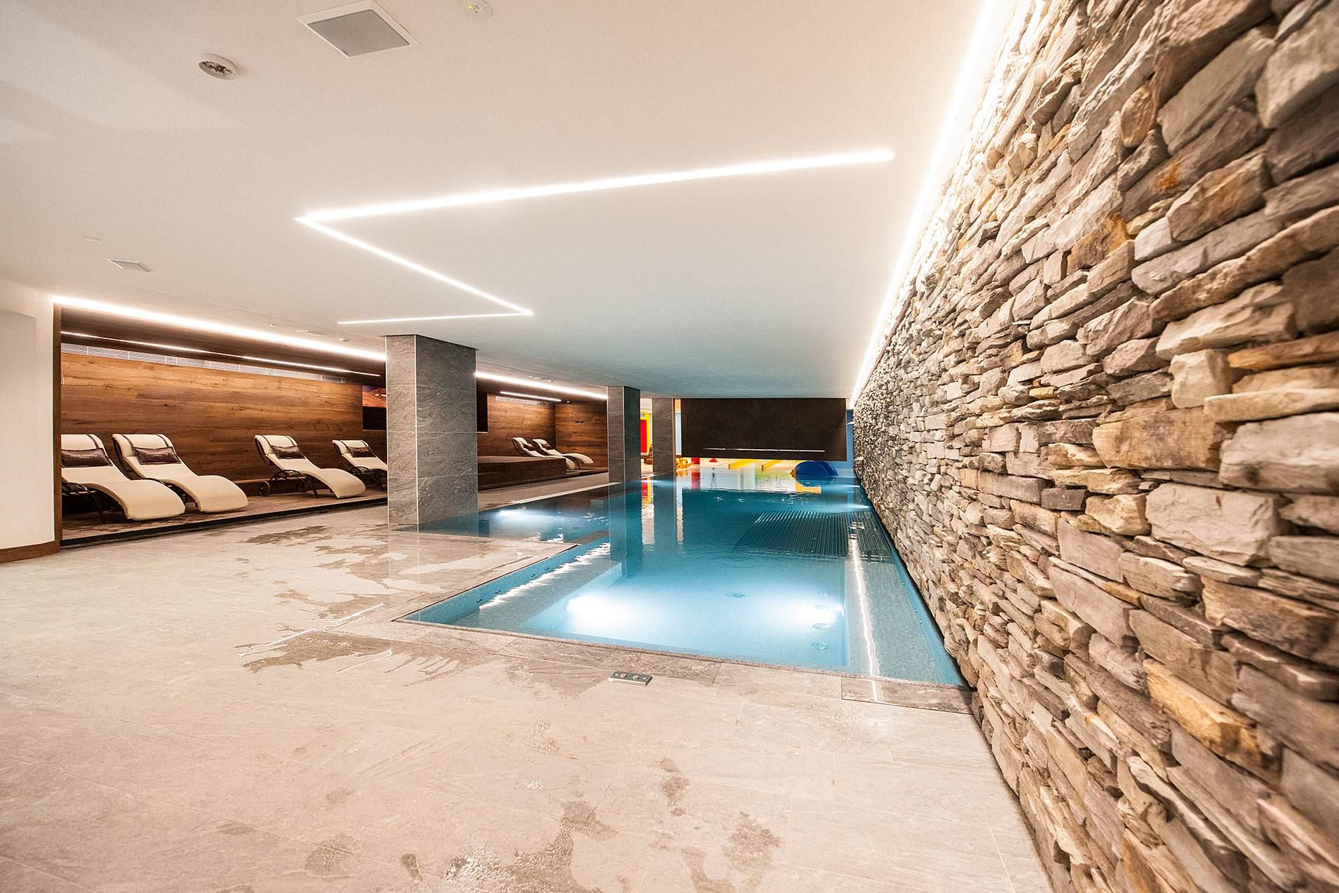 Servizi hotel touring livigno - Livigno hotel con piscina ...
